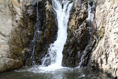 Водопад на озере Айчёнок