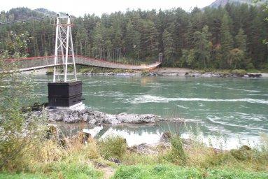 Пешеходный подвесной мост через Катунь